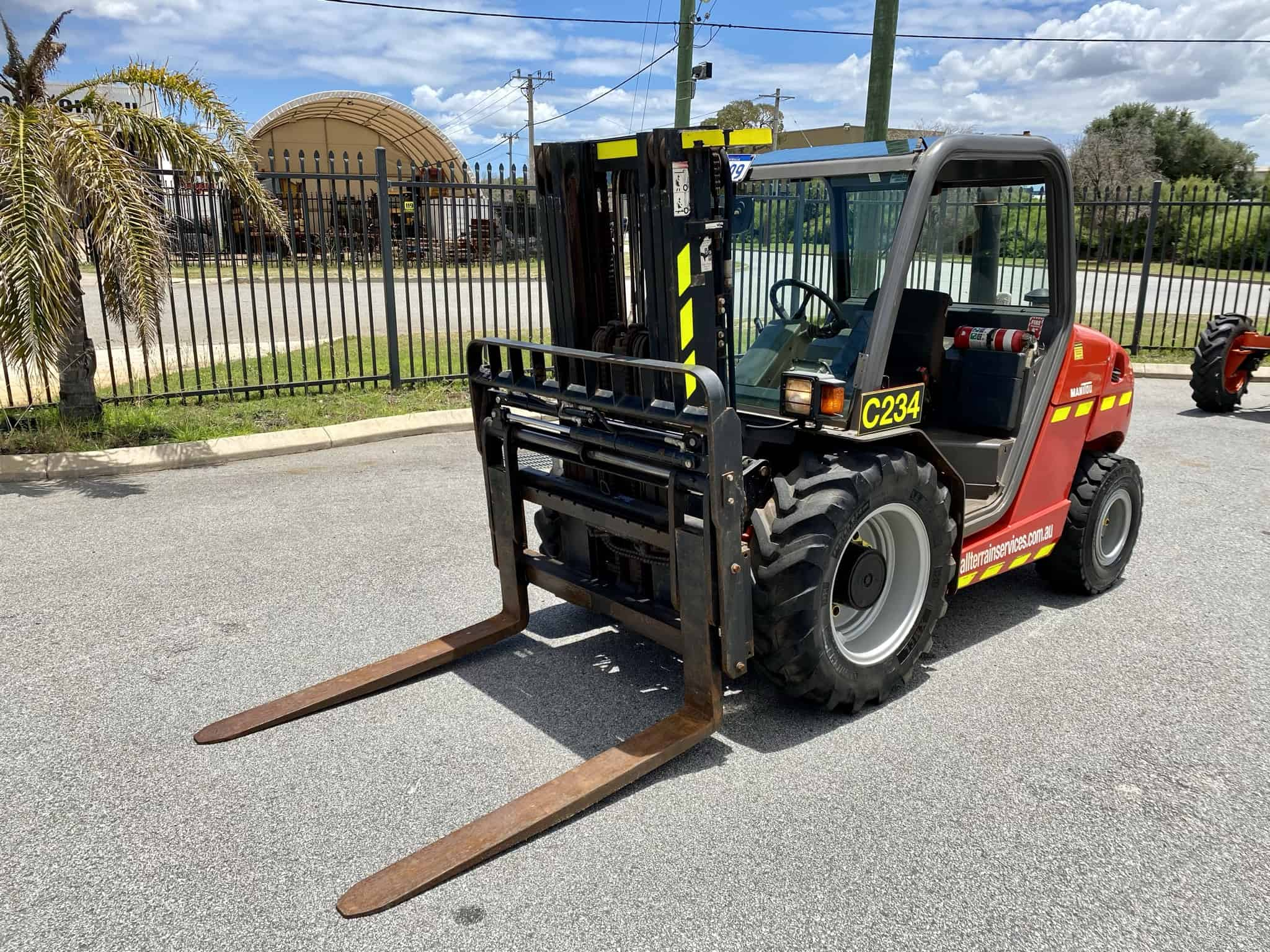 Manitou MH 25-4T Buggie rough terrain forklift service and maintenance in Perth