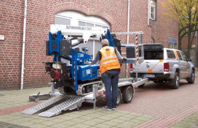 spiderlift for hire in perth Blue Lift SA 31